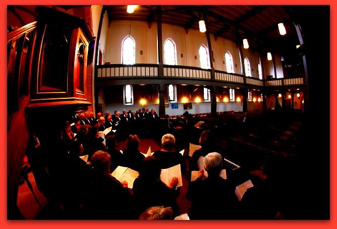 church-choir-408408_640-001